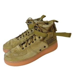 Nike SF Air Force 1 Mid in Desert Moss. Size 11